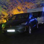 På ferietur med Tesla X og campingvogn