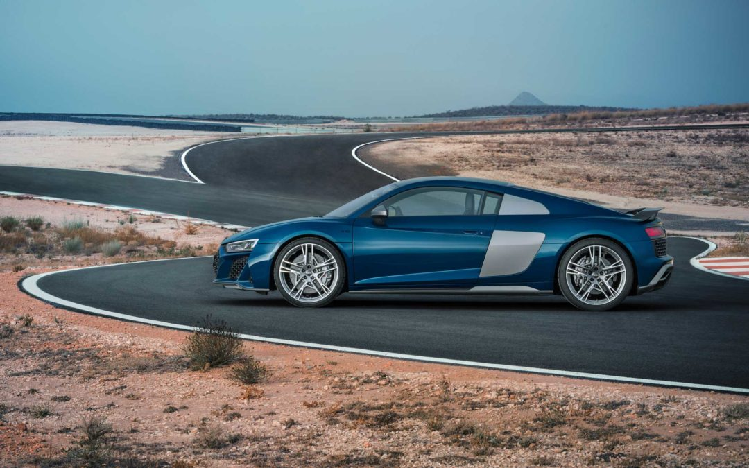 Født på banen – bygd for veien. Nye Audi R8