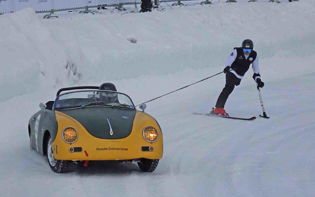 Full fart – med en skiløper hengende bakpå