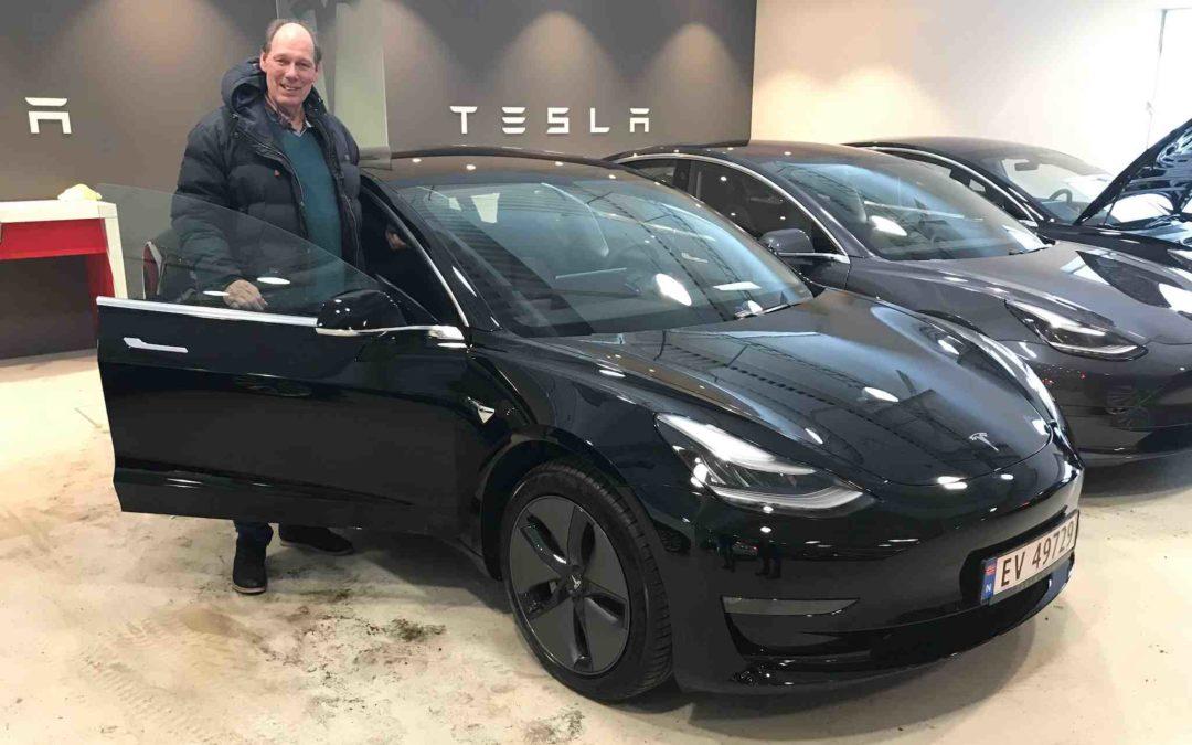 Hjelp, det står en Tesla Model 3 i garasjen!