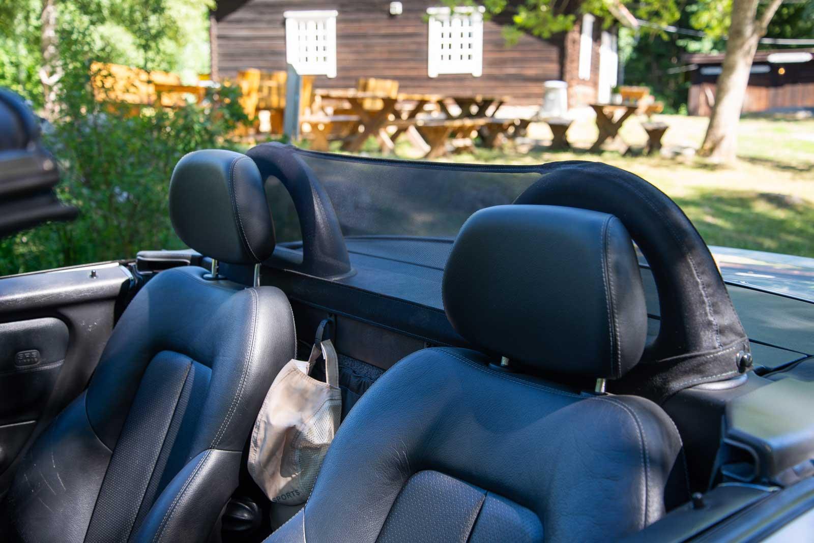 åpen bil skinn interiør