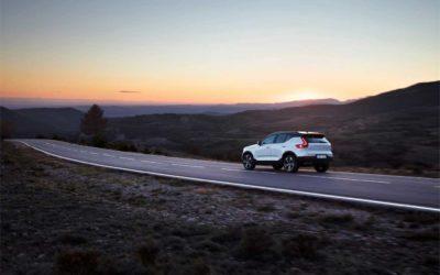 Volvo øker i synkende marked.